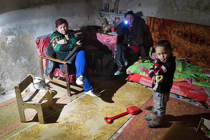 15 февраля 2015 года. Президент Украины Петр Порошенко отдал приказ украинским силовикам о прекращении огня в Донбассе