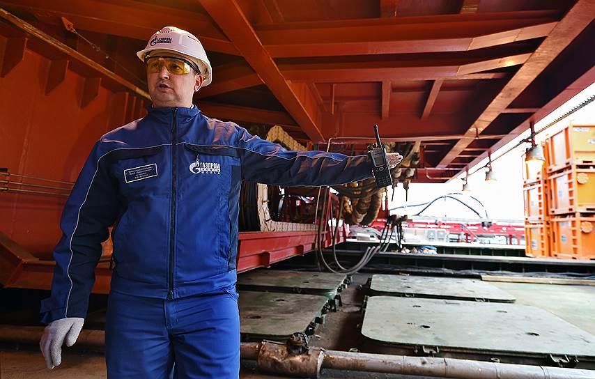 Максим Катанаев, заместитель начальник МЛСП по бурению, отвечает за функционирование бурового комплекса и выполнение планов по бурению