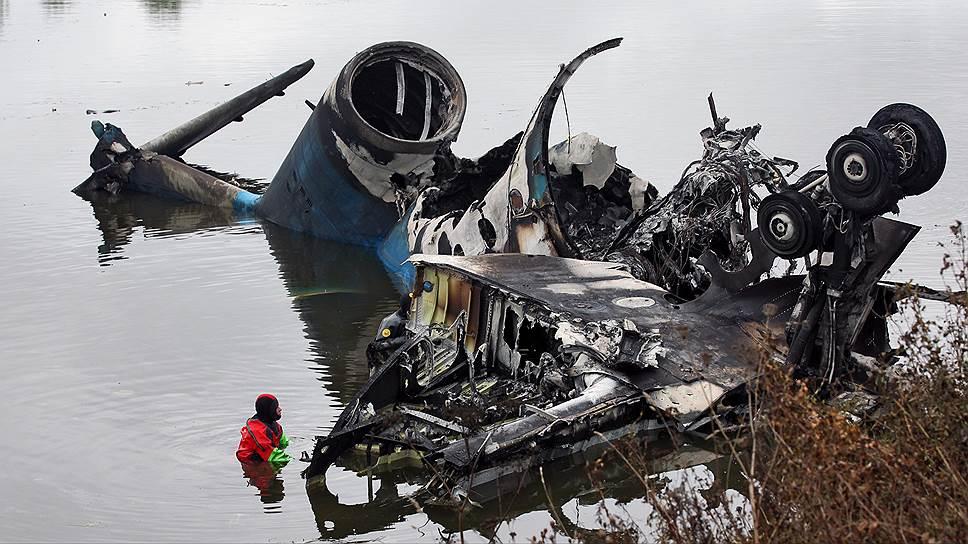 Катастрофу самолета приземлили в суде