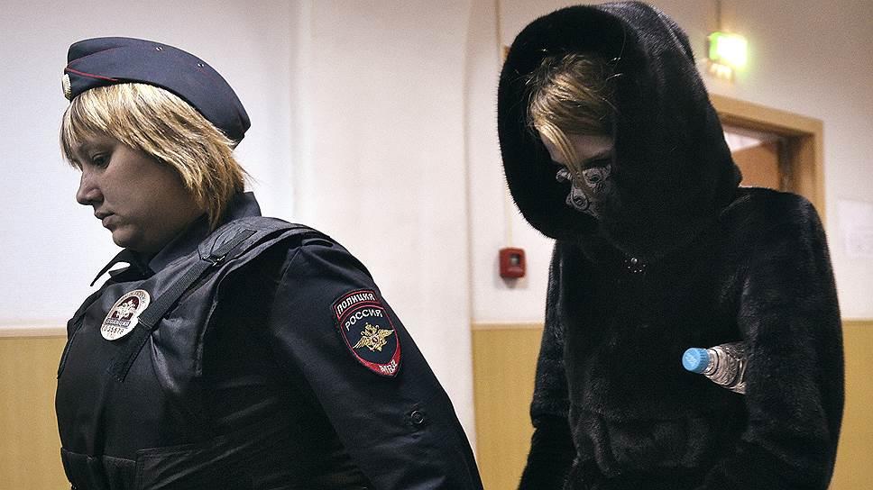Как диспетчеру-стажерке предъявили обвинение по делу о крушении во Внуково в ночь на 21 октября самолета Falcon