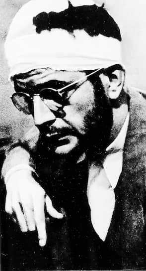 20 августа 1940 года Лев Троцкий был смертельно ранен ледорубом в своем доме под Мехико, он умер на следующий день. Исполнителем был агент НКВД, испанский республиканец Рамон Меркадер (на фото), внедрившийся в окружение Троцкого под именем канадского журналиста Фрэнка Джексона