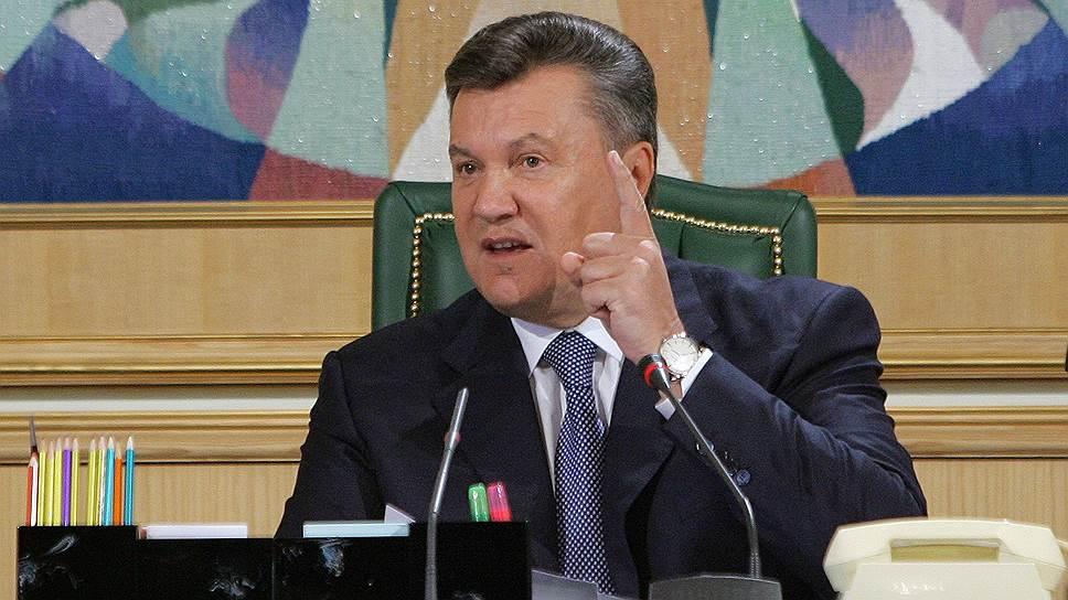 26 ноября. Президент Украины Виктор Янукович в телеэфире обещал, что соглашение Украины с ЕС будет подписано,  когда страна будет готова к этому экономически. Кроме того, президент призвал милицию и протестующих не применять силу в ходе акций протеста