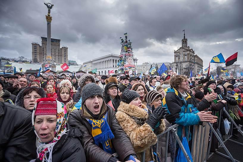 12 января 2014 года. Прошло первое в 2014 году Народное вече. На него пришли, по разным оценкам, от 50 до 200 тыс. человек