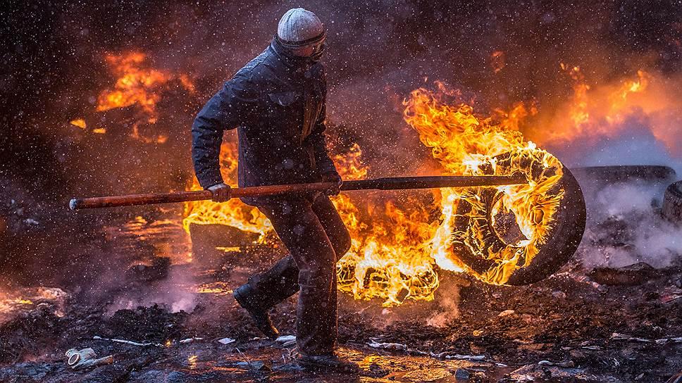 По данным МВД Украины, в результате столкновений около 218 милиционеров обратились за медпомощью, 99 из них были госпитализированы. В департаменте здравоохранения Киева сообщали, что к утру 20 января к врачам обратилось 103 участника акции протеста, из которых госпитализировали 42. Штаб оппозиции заявил о 1,4 тыс. пострадавших