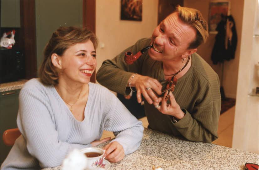 """«Я говорю жене, что я звезда рок-н-ролла, а она — мне: """"Вынеси мусор!""""» <br>Со своей будущей женой Ольгой Гарик Сукачев познакомился, когда ему было 16 лет. По словам артиста, больше они не расставались, а Ольга со временем стала для него «воздухом, хлебом и водой». У пары двое детей"""