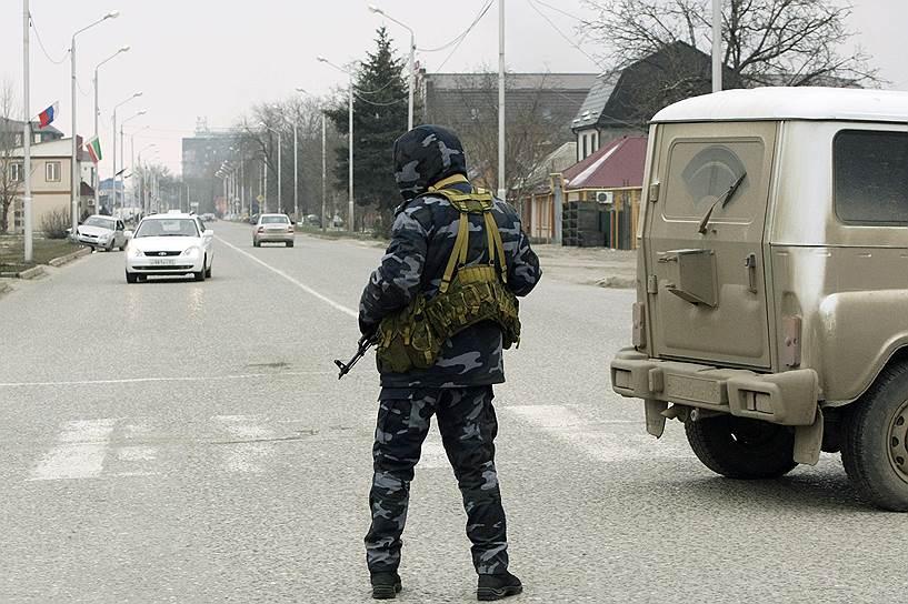 По сообщению Национального антитеррористического комитета (НАК), погибли 10 полицейских