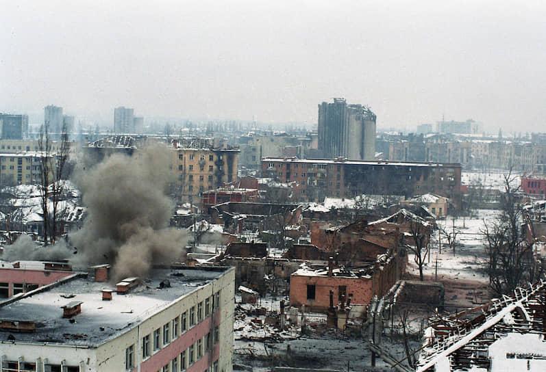 1995 год. Вид на разрушенный Грозный
