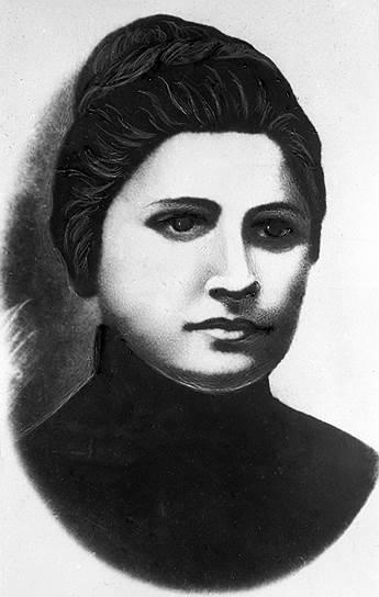 В 1906 году Сталин обвенчался с Екатериной Сванидзе (на фото). Спустя год у них родился сын Яков, а Екатерина умерла от тифа через несколько месяцев