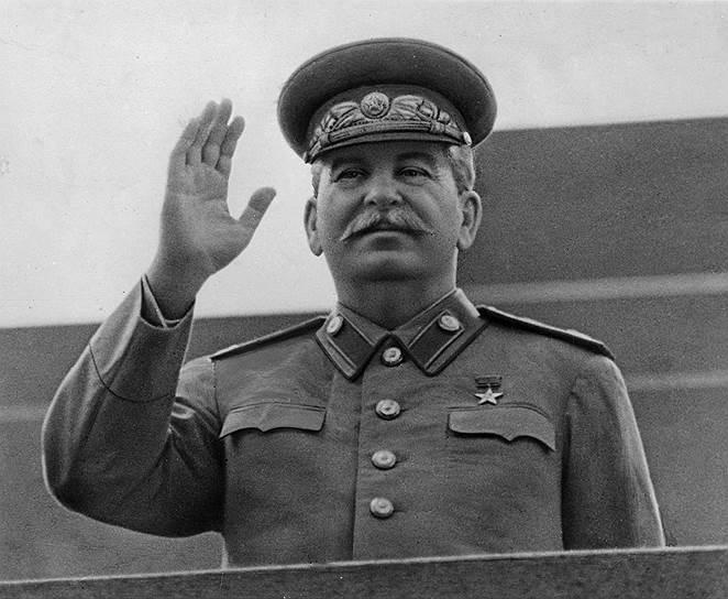 В последние годы жизни Сталин, скорее всего, из-за боязни покушений перестал ночевать в спальне, а только хранил в ней одежду. Бывший помощник начальника следственной части по особо важным делам МГБ рассказывал, что в январе или феврале 1953 года произошло странное покушение на Сталина. Какой-то человек, которого он называл «спортсмен», перемахнул через забор дачи, находившейся в Кунцево, и из ручного пулемета стал стрелять по ее окнам. Никто не пострадал, но Сталин был сильно напуган