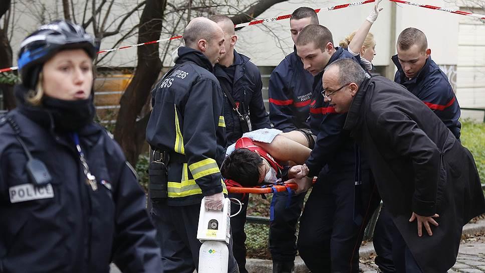 В Париже исламисты расстреляли редакцию еженедельника Charlie Hebdo