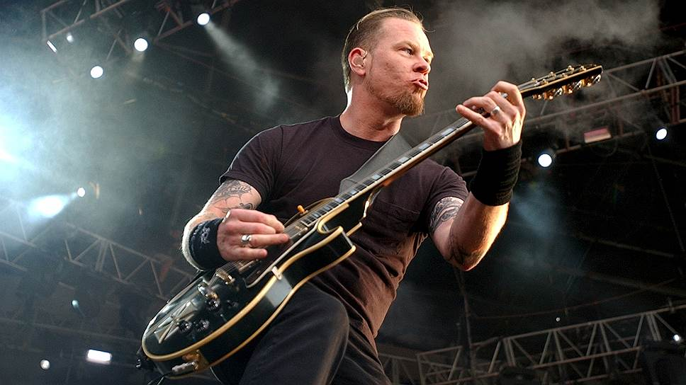 В 1992 году на совместном с Guns N`Roses концерте в Монреале фронтмен Metallica Джеймс Хетфилд получил ожоги лица и руки, не сориентировавшись на сцене между пиротехническими приборами и оказавшись в критически опасной близости от четырехметрового столба огня. Остаток турне Джеймс Хетфилд выступал без гитары, его партии исполнял Джон Маршал из Metal Church