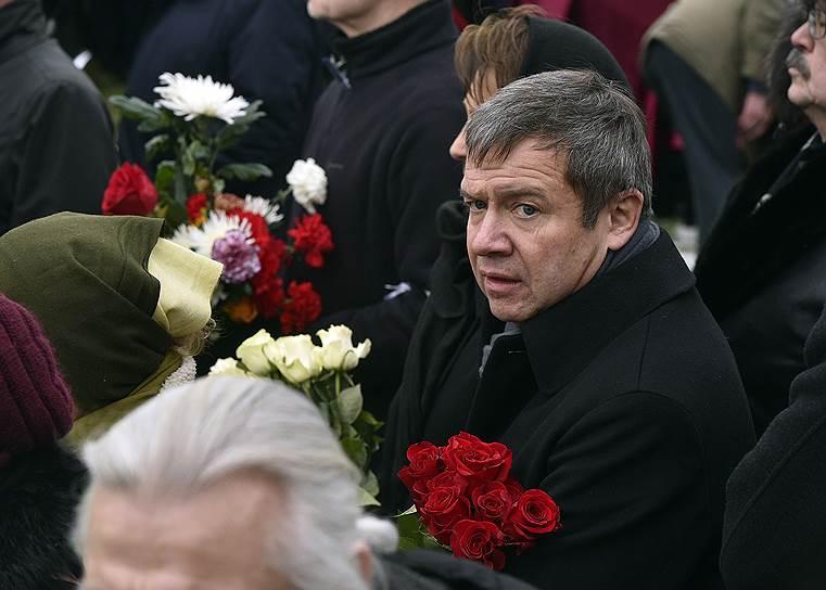 Бывший руководитель администрации первого президента России Валентин Юмашев во время похорон