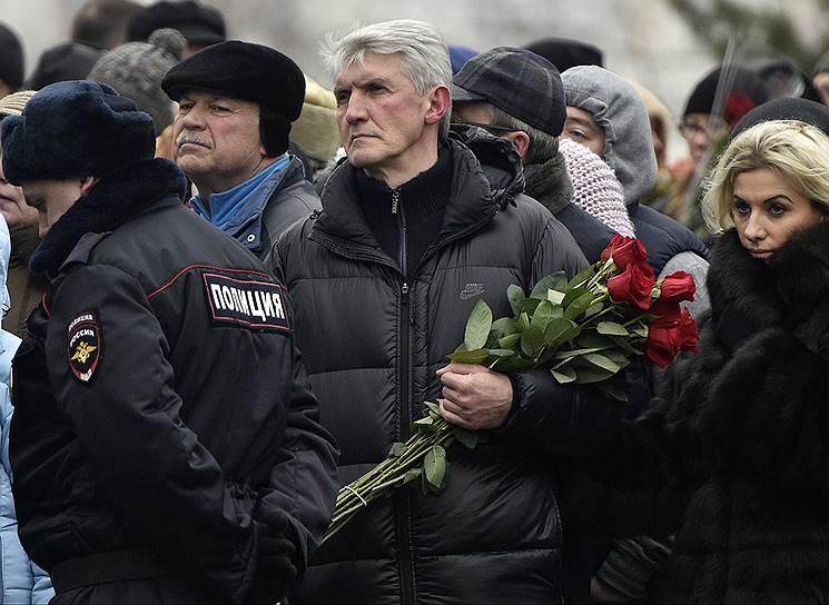 Бывший глава МФО «Менатеп» Платон Лебедев во время похорон