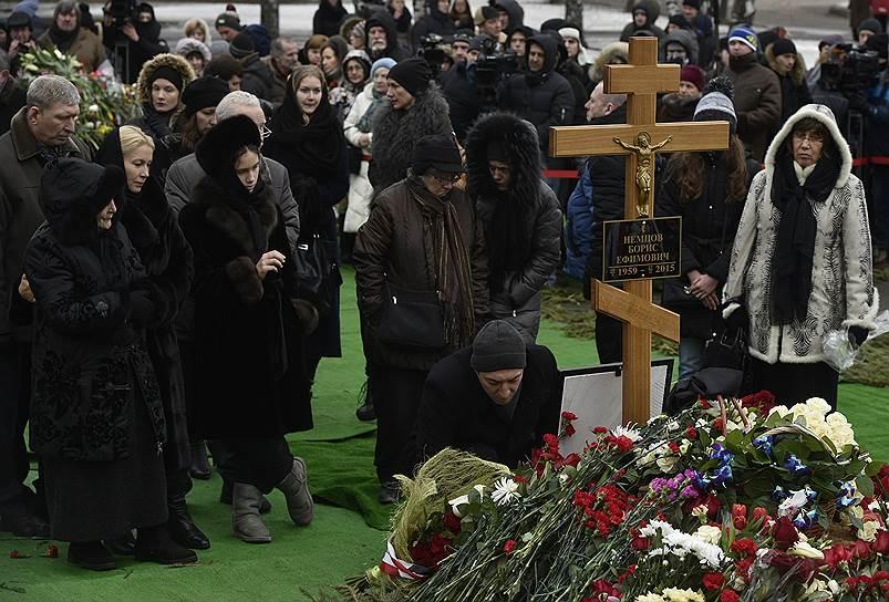 Похороны российского политика и сопредседателя партии РПР-Парнас Бориса Немцова, на Троекуровском кладбище