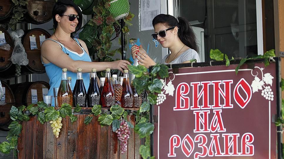 В Крыму запретили продавать вино в разлив