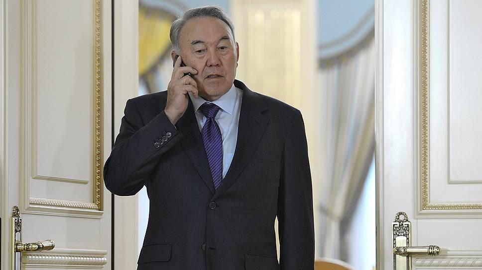 Как президента Казахстана уговорили остаться