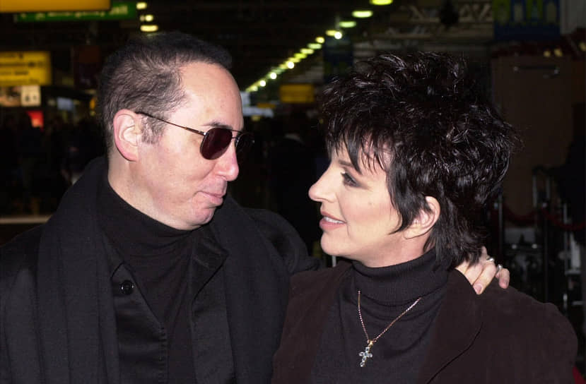 Четвертым мужем Лайзы стал промоутер актрисы Дэвид Гест (на фото). Супруги прожили вместе всего 16 месяцев и разошлись. Детей у Лайзы нет