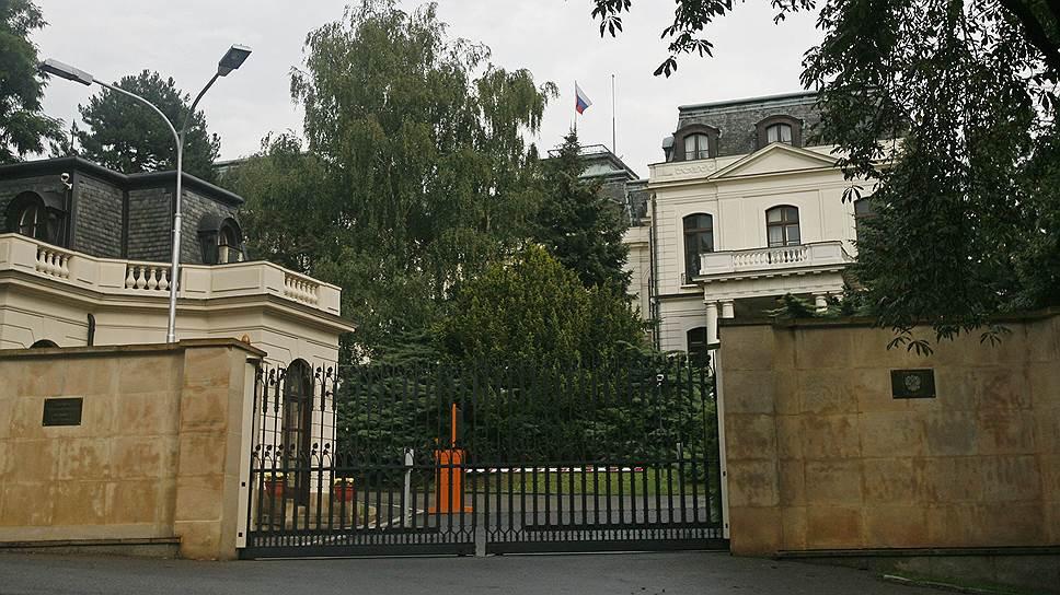 Как Чехия заподозрила российских дипломатов в шпионаже