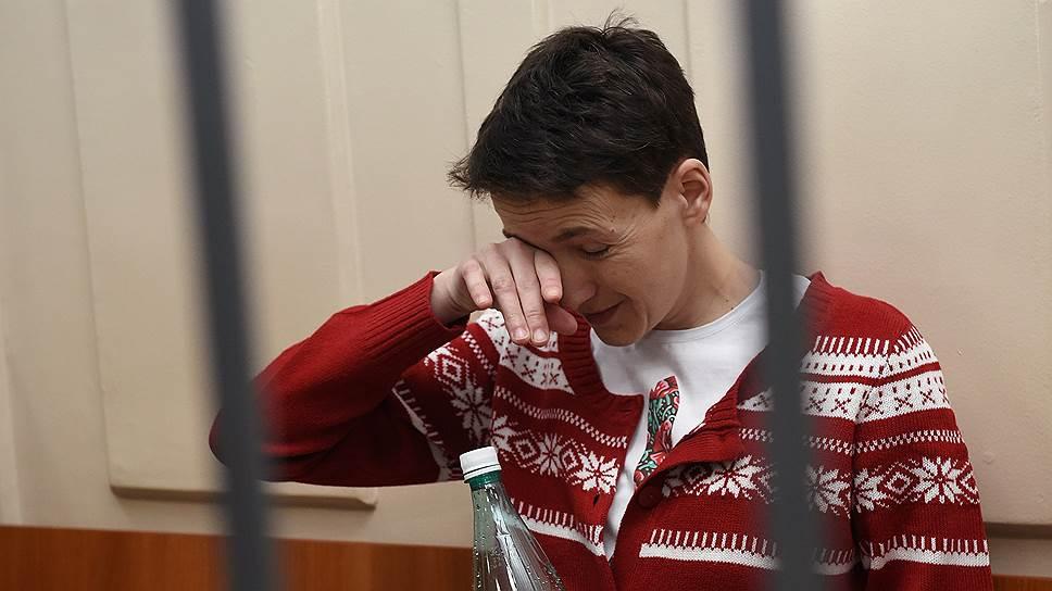 Зачем украинских врачей допустили к Надежде Савченко