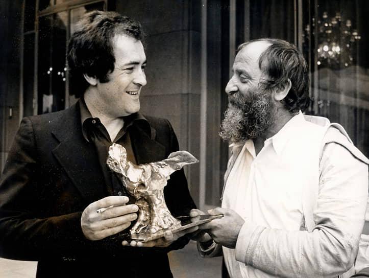 «Последнее танго в Париже» получил премию «Давид ди Донателло» (вручена исполнительнице одной из главных ролей Марии Шнайдер), приз «Серебряная лента» Итальянского национального синдиката киножурналистов (лучшему режиссеру), а также премию Национального общества кинокритиков США (лучшему актеру Марлону Брандо)
