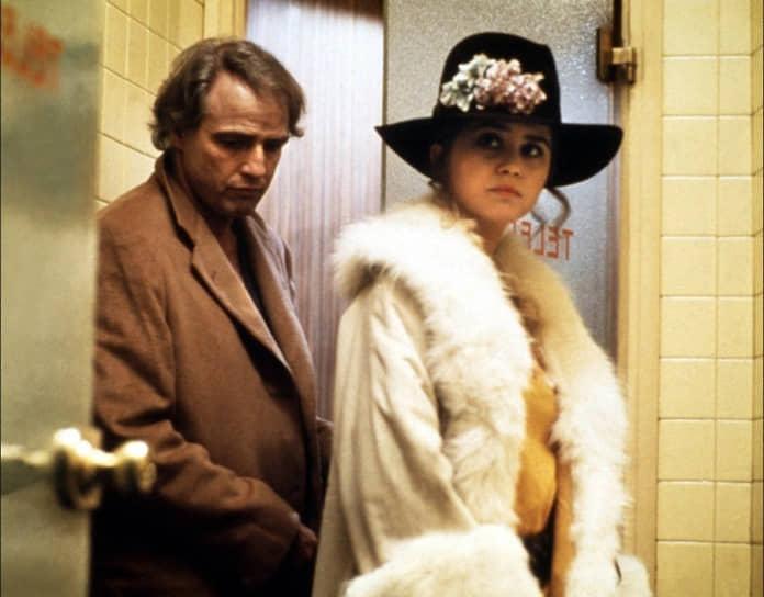 Один из самых скандальных фильмов Бертолуччи «Последнее танго в Париже» (1972, кадр на фото) запрещали в Испании при Франко и в Чили при Пиночете. В Италии изымались копии из кинотеатров, а сам Бертолуччи за изображение на экране откровенных сексуальных сцен получил условный срок. При бюджете $1,25 млн картина собрала в мировом прокате почти $100 млн. Бертолуччи и исполнитель одной из главных ролей Марлон Брандо были номинированы на «Оскар»