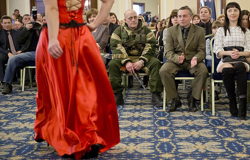 7 марта. Конкурс красоты среди женщин-бойцов ДНР. Донецк
