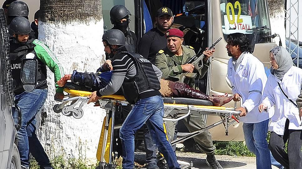 Как в тунисский музей проникли террористы