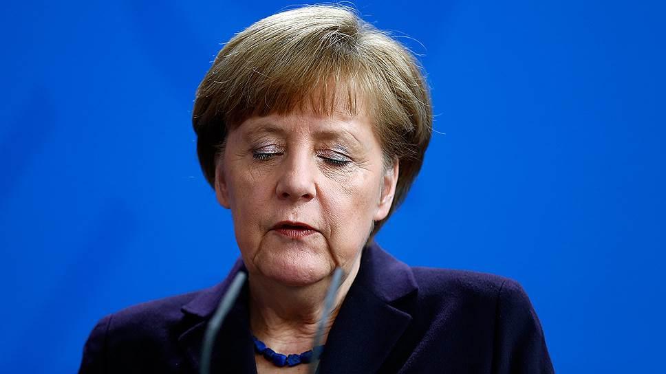 Ангела Меркель заявила, что Германия, Франция и Испания договорились об оказании всесторонней помощи в расследовании причин крушения Аirbus A320. «В минувшие часы я говорила как с президентом Франции Франсуа Олландом, так и с испанским премьер-министром Мариано Рахоем. Мы договорились о взаимной и всесторонней помощи в расследовании причин катастрофы, а также о поддержке сил, ведущих расследование на месте крушения и в аэропортах»,— заявила Меркель в специальном обращении