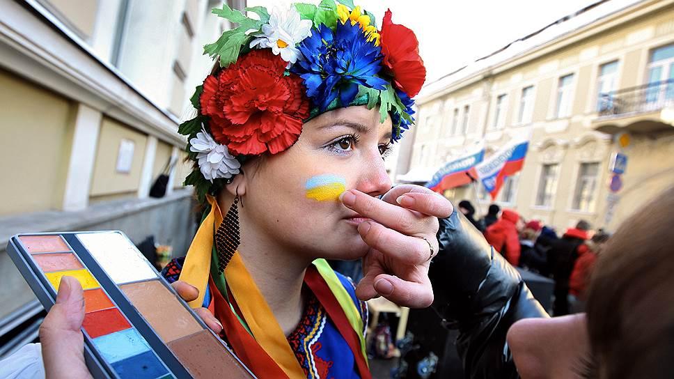Россияне хорошо относятся к украинцам, но не уверены в ответных чувствах