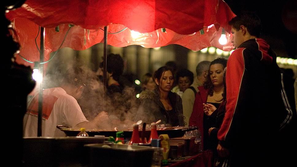 Парижские знаменитости будут бороться с кебабами на улице Риволи
