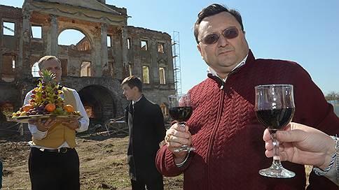 За пожар в «Адмирале» ищут олигарха  / Миллиардер Алексей Семин объявлен в розыск