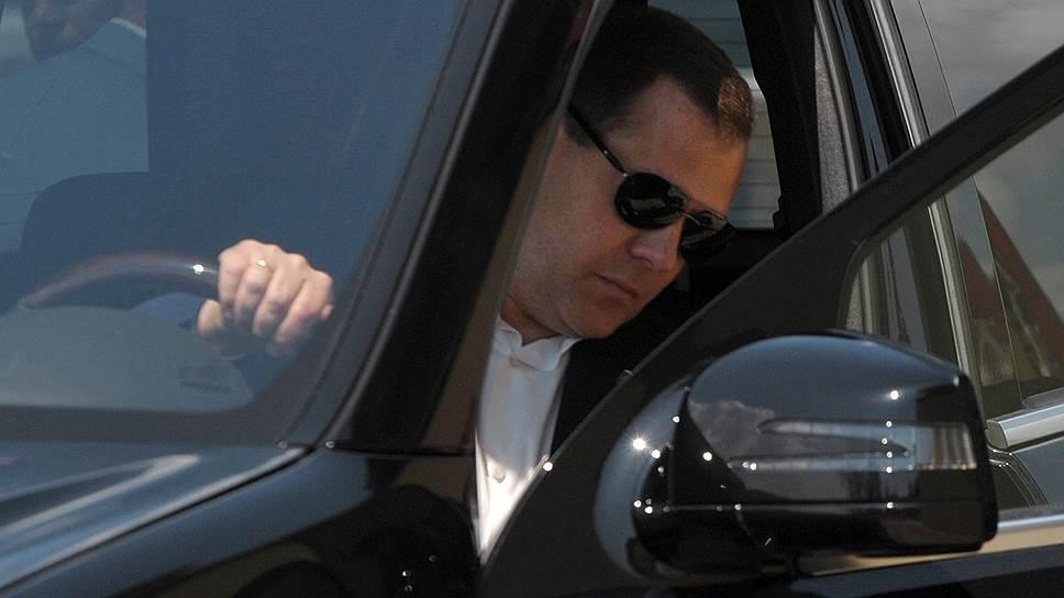 Дмитрий Медведев сделал парковку для резидентов