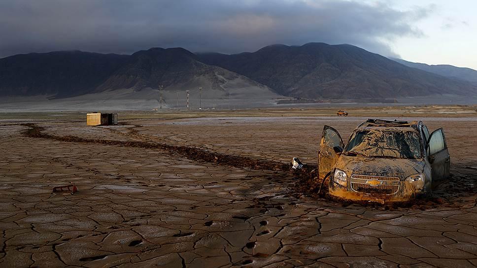 Чаньяраль, Чили. Последствия сильного наводнения на севере страны