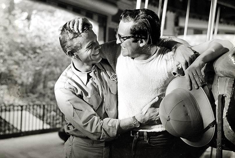 В дальнейшем Люмет продолжал эксплуатировать сюжеты, замкнутые в пространстве и тяготеющие к ситуации прямого нравственного поединка — чаще всего с фрейдистским замесом. Частным случаем этого становились многочисленные экранизации театральной классики — «Орфей спускается в ад» Уильямса (фильм 1960 года назывался «Из породы беглецов»), «Долгий день уходит в ночь» О`Нила (1962), «Чайка» Чехова (1968). <br>На фото: американский актер и певец Таб Хантер  и Сидни Люмет
