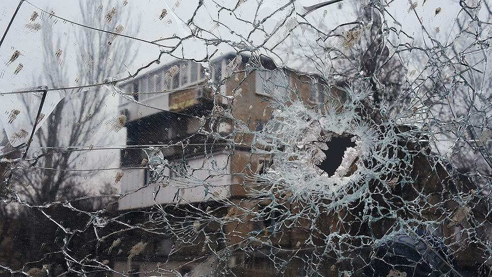 Как аэропорту Донецка обстреляли машину с местными журналистами