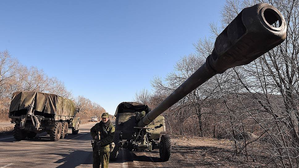 «Россия по-прежнему отправляет войска через границу с Украиной»