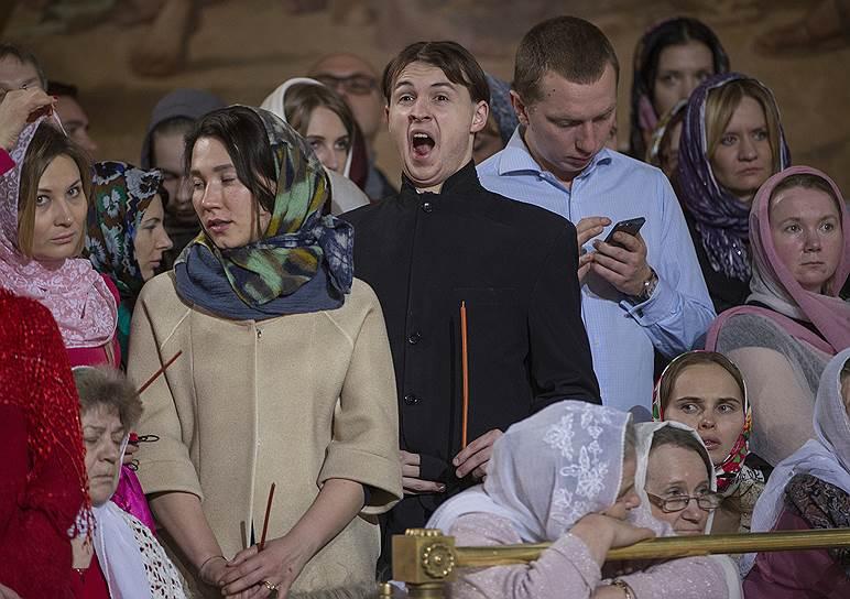 Пасхальное богослужение в кафедральном соборном Храме Христа Спасителя