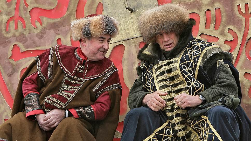 Мэр Великого Новгорода Юрий Бобрышев (слева) и губернатор Новгородской области Сергей Митин
