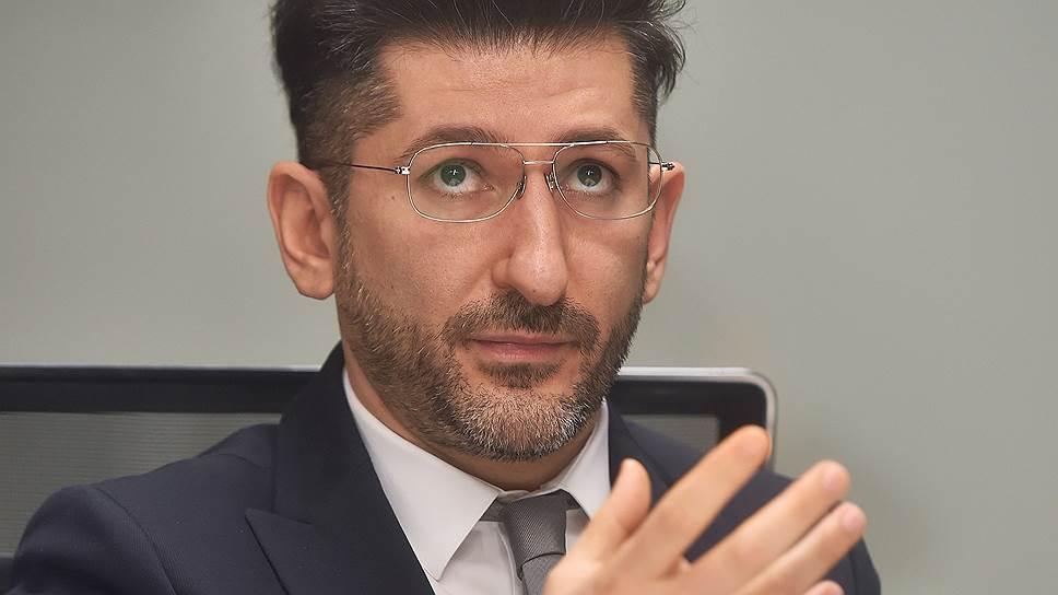 Промсвязьбанк выставил оферту Олегу Малису / Ему предложено выкупить долги «Связного» за 6,3 млрд рублей