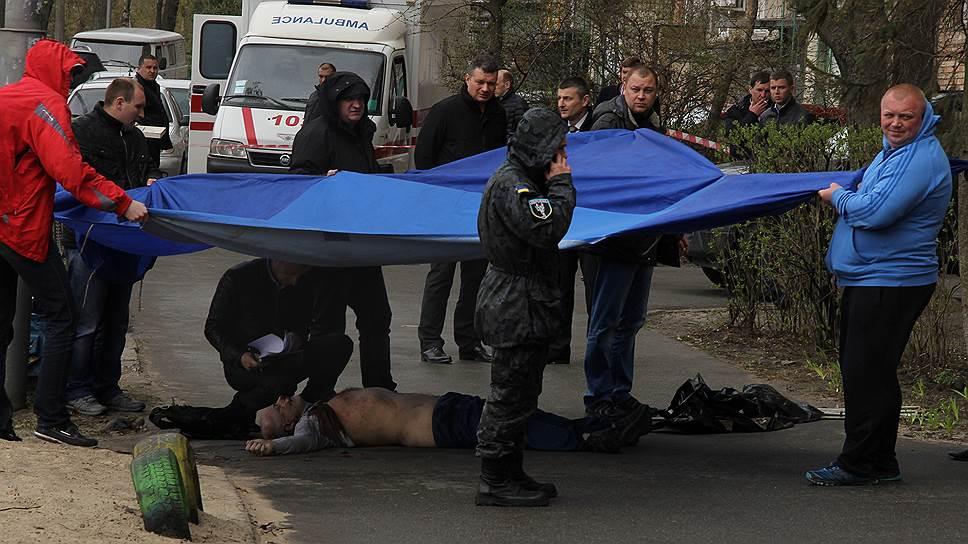 В Киеве застрелили оппозиционного журналиста Олеся Бузину