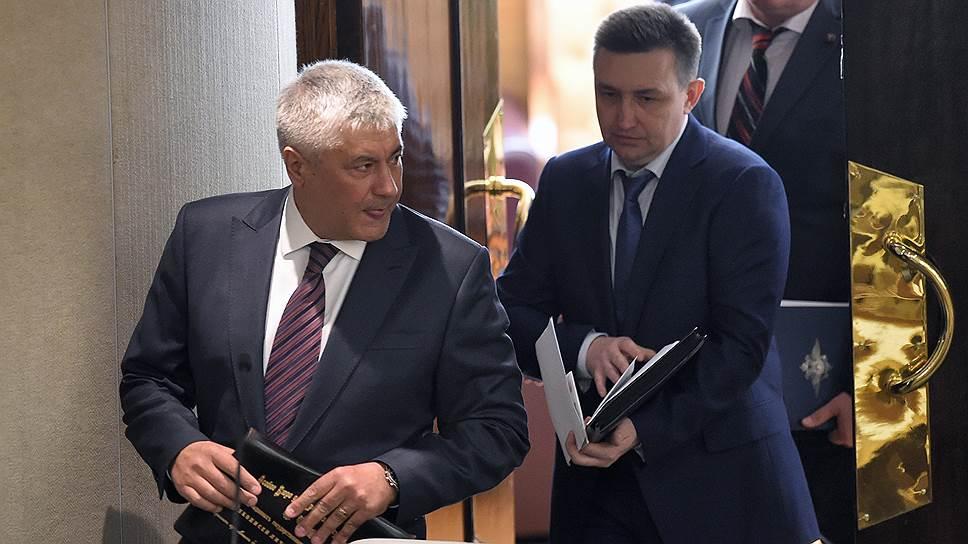 Министр внутренних дел России Владимир Колокольцев (слева) и статс-секретарь - заместитель министра внутренних дел России Игорь Зубов