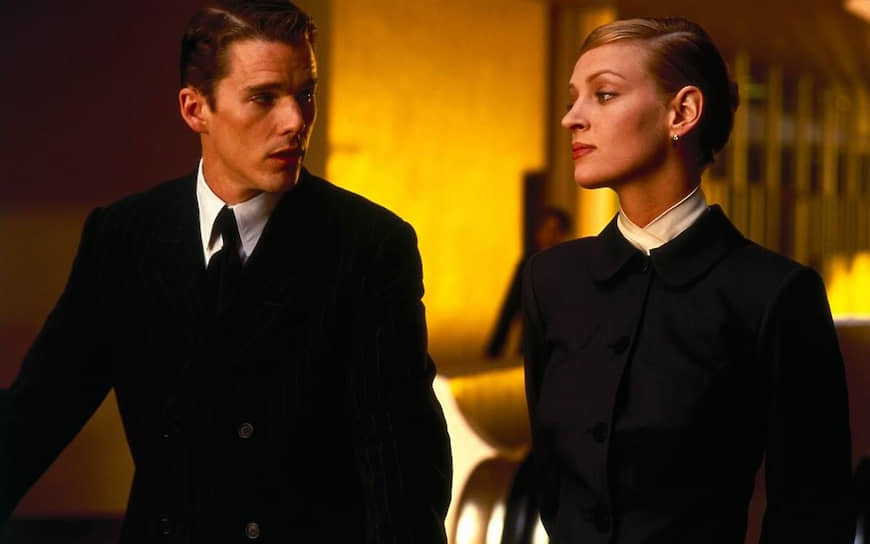 «Любовь не проходит: какой-то частью себя я продолжаю любить всех тех, кого любила когда-то» <br>Ума Турман была замужем дважды. Ее первым супругом стал актер Гэри Олдмен, но через полтора года пара распалась. В 1998 году актриса вышла замуж за своего партнера по фильму «Гаттака» Итана Хоука (на фото). У них родились двое детей — девочка Майя Рэй (1998) и мальчик Левон Роэн (2002). Тем не менее, они разошлись  в 2002 году. Некоторое время Турман жила с  финансистом Арпадом Буссоном. В июле 2012 года у них родилась дочь, которую назвали Розалинд Аруша Аркадина Алталун Флоренс
