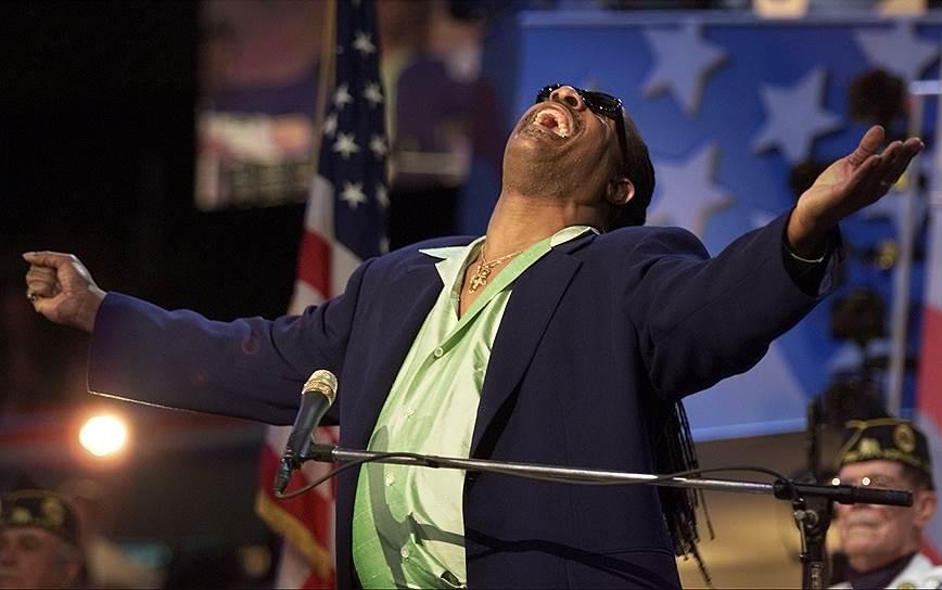 «Нельзя построить жизнь на чужих ожиданиях» <br>Стиви Уандер — второй среди музыкантов поп-сцены по количеству полученных им Grammy — 25 наград. Кроме того, он один из немногих исполнителей, которые награждались Grammy в номинации «Альбом года» наибольшее число раз, а также единственный в мире музыкант, получивший номинацию «Альбом года» три раза подряд