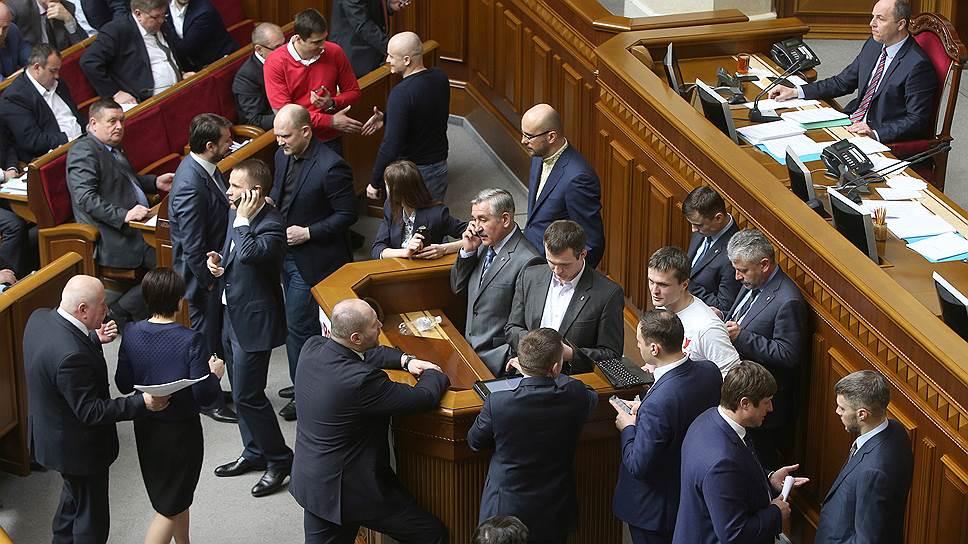 Как Украина разрешила себе не платить по долгам