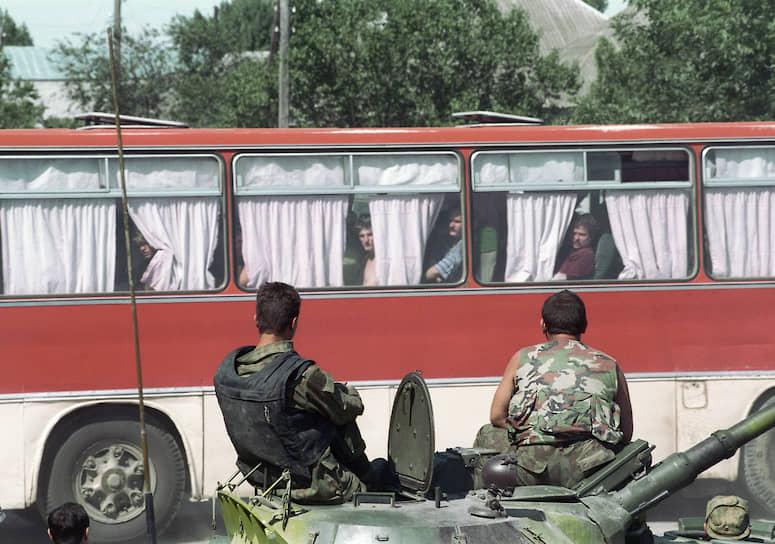 В апреле 2002 года первые десять обвиняемых в нападении на Буденновск получили сроки от 11 по 16 лет. 10 июля 2006 года в ходе спецоперации был уничтожен организатор теракта Шамиль Басаев