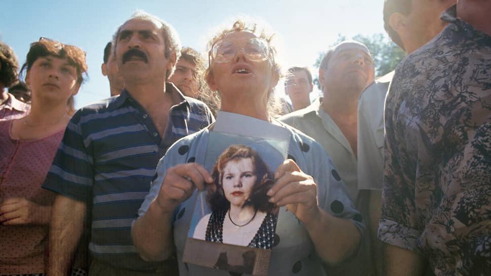 14 июня 1995 года около полудня в город Буденновск Ставропольского края под видом милицейского подразделения проникли 195 боевиков во главе с Шамилем Басаевым