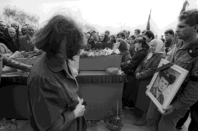 1 августа 1992 года боевые действия окончательно завершились, тем не менее достигнуть соглашения по поводу статуса Приднестровья не удалось. Отношения между непризнанной ПМР и Молдавией остаются напряженными и сегодня: в Приднестровье считают объединение с Молдавией невыгодным и убыточном, в свою очередь, молдавская сторона называет ПМР зоной контрабанды и криминального режима. За время заморозки конфликта как в Молдавии, так и в ПМР сложились самостоятельные экономики, социально-политические системы и элиты