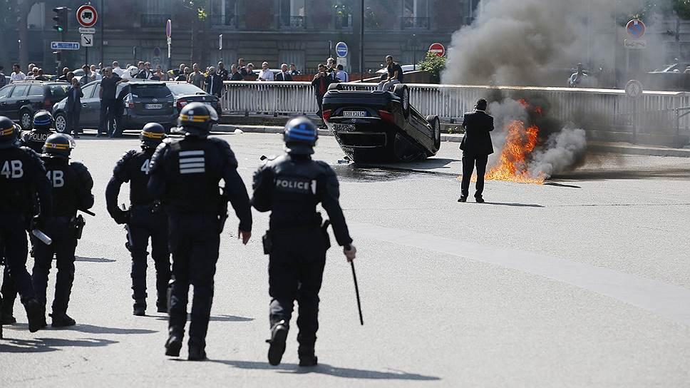 Почему во Франции прошла забастовка таксистов против Uber