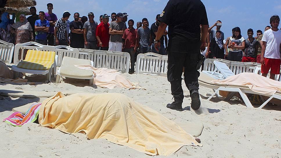В Тунисе при нападении на отель погибли 30 человек