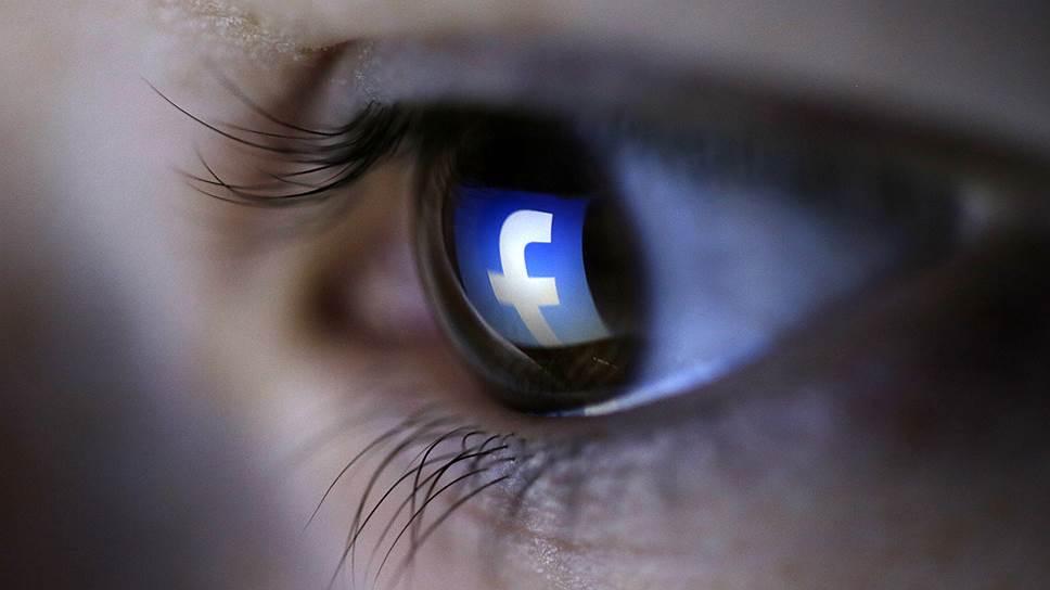 Facebook отбивает рекламщиков у Google